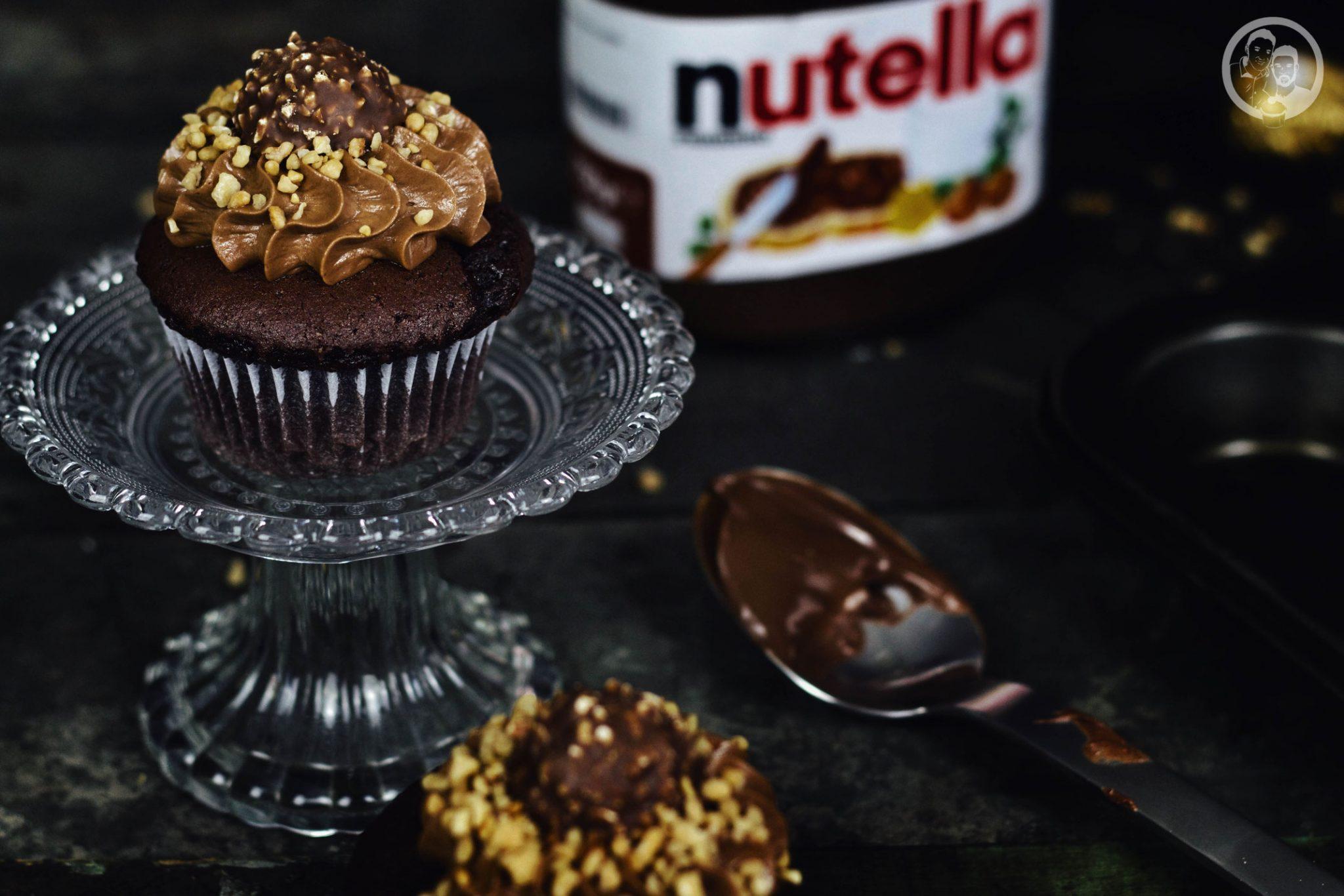 nutella rocher cupcakes rezept backen 3 | Die Nutella-Rocher Cupcakes waren unser erster großer Hit auf dem Blog!
