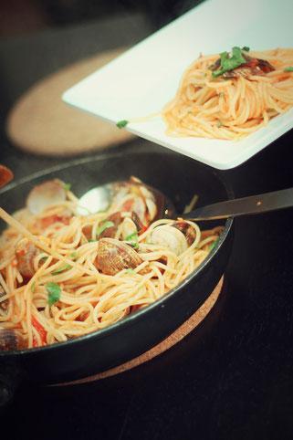 image 2 9 8 9 | Im August wurden wir beide mit einigen anderen deutschen und internationalen Food-Bloggern eingeladen, bei einem Workshop zum Thema Pizza und Pasta teil zu nehmen. Wir waren natürlich direkt Feuer und Flamme dafür und haben sofort einen Tag Urlaub für den 09.09.14 eingereicht.