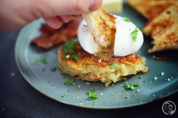 image 3 3 0 4 | Ihr wisst ja, dass wir schon immer echte Frühstückfans sind. Dabei darf es gerne auch einmal britisches oder amerikanisches Frühstück sein. Pancakes, Ham und Baked Beans sind da ein gern gesehener Gast auf unserem Teller. Und manchmal gehört da auch etwas leckeres aus Kartoffel dazu …