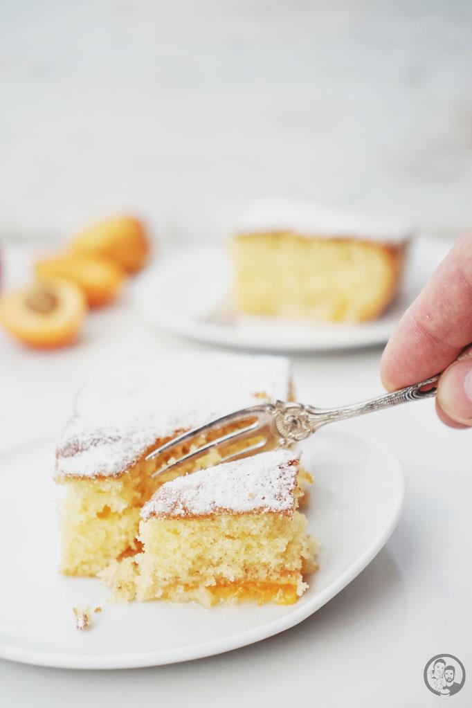 image 3 8 1 2 | Und schon wieder geht es heute um unsere Oma Lore. Da wir ja gerade am Wolfgangsee ein wirklich schönes langes Wochenende verbracht haben, passt dieser Kuchen einfach perfekt, denn die Oma hat in den Kriegsjahren ein Jahr lang bei Onkel Viktor in Salzburg gelebt und in seinem Sanatorium gearbeitet.