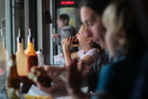 image 4 4 9 2 | Auch während unseres Aufenthalts in Barcelona konnten wir nicht der Versuchung eines Burgers widerstehen!