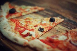 image 6 2 8 7 | Im August wurden wir beide mit einigen anderen deutschen und internationalen Food-Bloggern eingeladen, bei einem Workshop zum Thema Pizza und Pasta teil zu nehmen. Wir waren natürlich direkt Feuer und Flamme dafür und haben sofort einen Tag Urlaub für den 09.09.14 eingereicht.