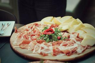 image 6 8 3 6 | Im August wurden wir beide mit einigen anderen deutschen und internationalen Food-Bloggern eingeladen, bei einem Workshop zum Thema Pizza und Pasta teil zu nehmen. Wir waren natürlich direkt Feuer und Flamme dafür und haben sofort einen Tag Urlaub für den 09.09.14 eingereicht.