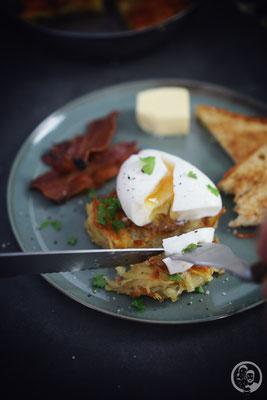 image 7 4 9 | Ihr wisst ja, dass wir schon immer echte Frühstückfans sind. Dabei darf es gerne auch einmal britisches oder amerikanisches Frühstück sein. Pancakes, Ham und Baked Beans sind da ein gern gesehener Gast auf unserem Teller. Und manchmal gehört da auch etwas leckeres aus Kartoffel dazu …