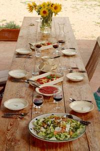 image 9 3 9 | Serviert sie nun mit der Tomatensauce und einem Ciabatta. Dazu passt perfekt ein Chianti Classico oder ein anderer italienischer Rotwein.