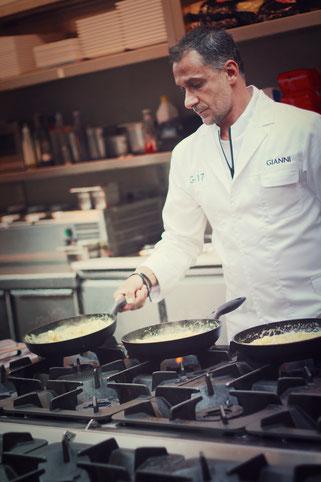 image 9 9 9 3 | Im August wurden wir beide mit einigen anderen deutschen und internationalen Food-Bloggern eingeladen, bei einem Workshop zum Thema Pizza und Pasta teil zu nehmen. Wir waren natürlich direkt Feuer und Flamme dafür und haben sofort einen Tag Urlaub für den 09.09.14 eingereicht.