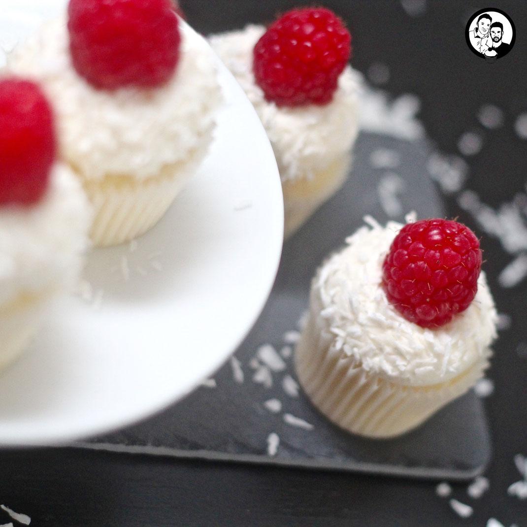 Kokos-Himbeer Cupcakes_Backen_Rezept
