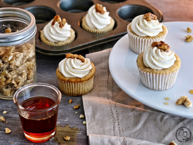 Maple-Walnut Cupcakes_Backen_Rezept