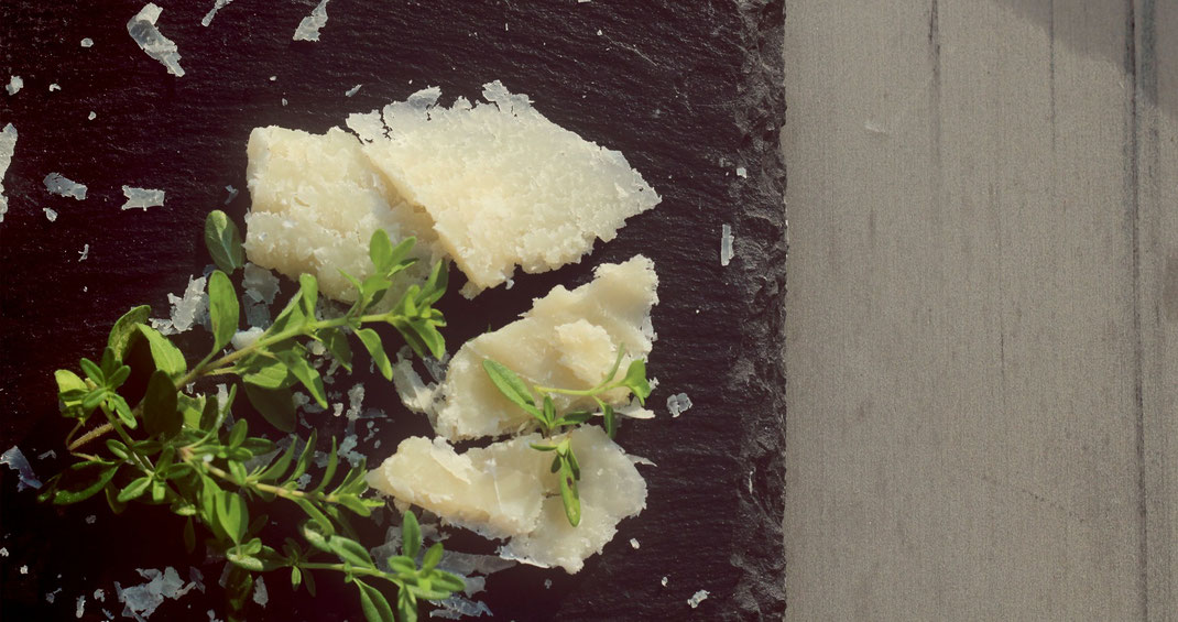 Parmesan und Kräuter