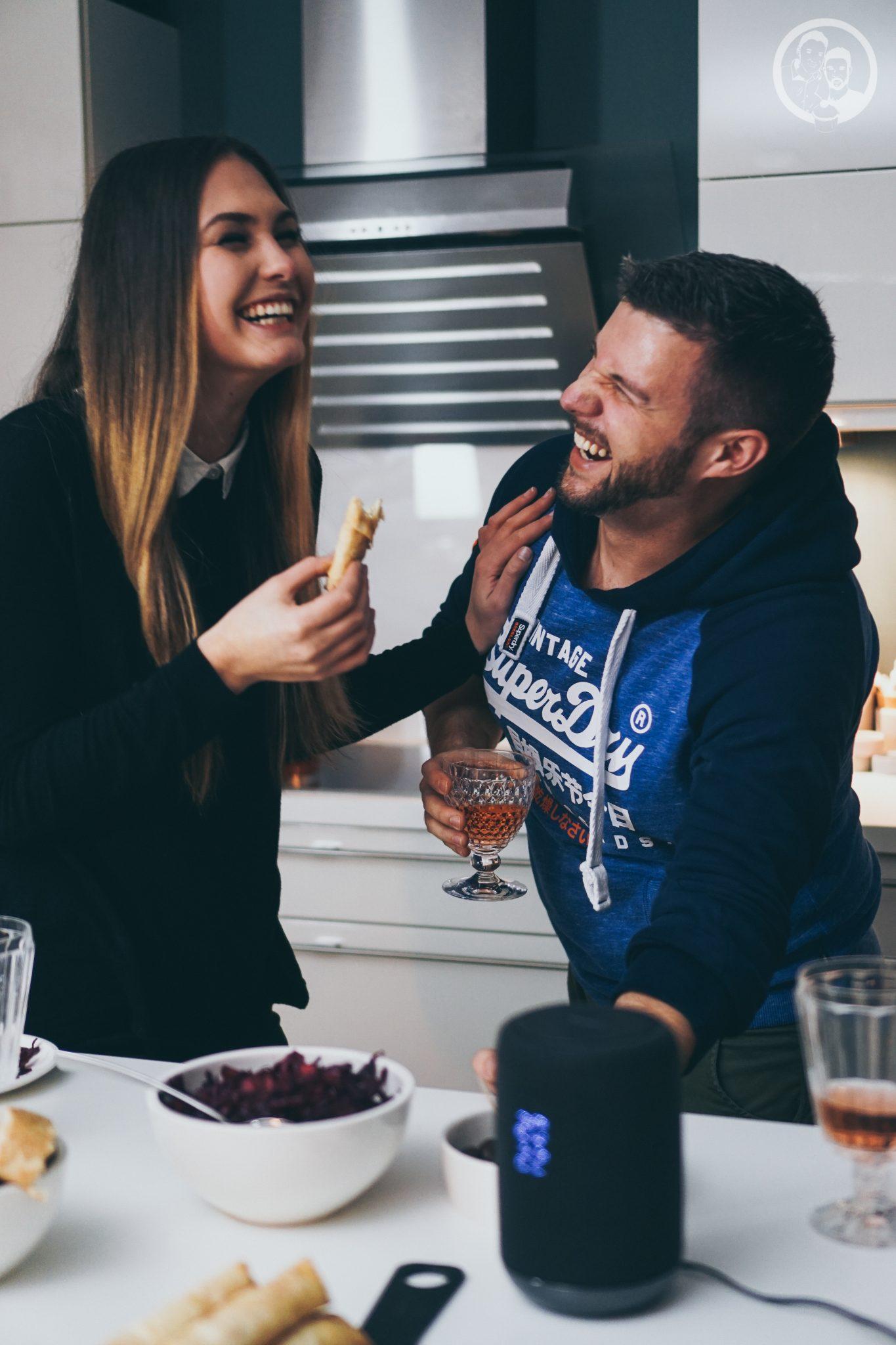 B%C3%B6rek mW 11   Unsere Küche ist der Mittelpunkt unserer Wohnung ... hier verbringen wir die meiste Zeit! Ob beim Kochen und Backen, beim gemütlichen Zusammensein oder auch bei spontanen Partyabenden.Dazu gibt es immer leckere Snacks, denn hungern muss definitiv keiner unserer Freunde bei uns :)So auch nicht bei unserer letzten kleinen Küchenparty! Es gab köstliches Finger Food in Form von Börek.