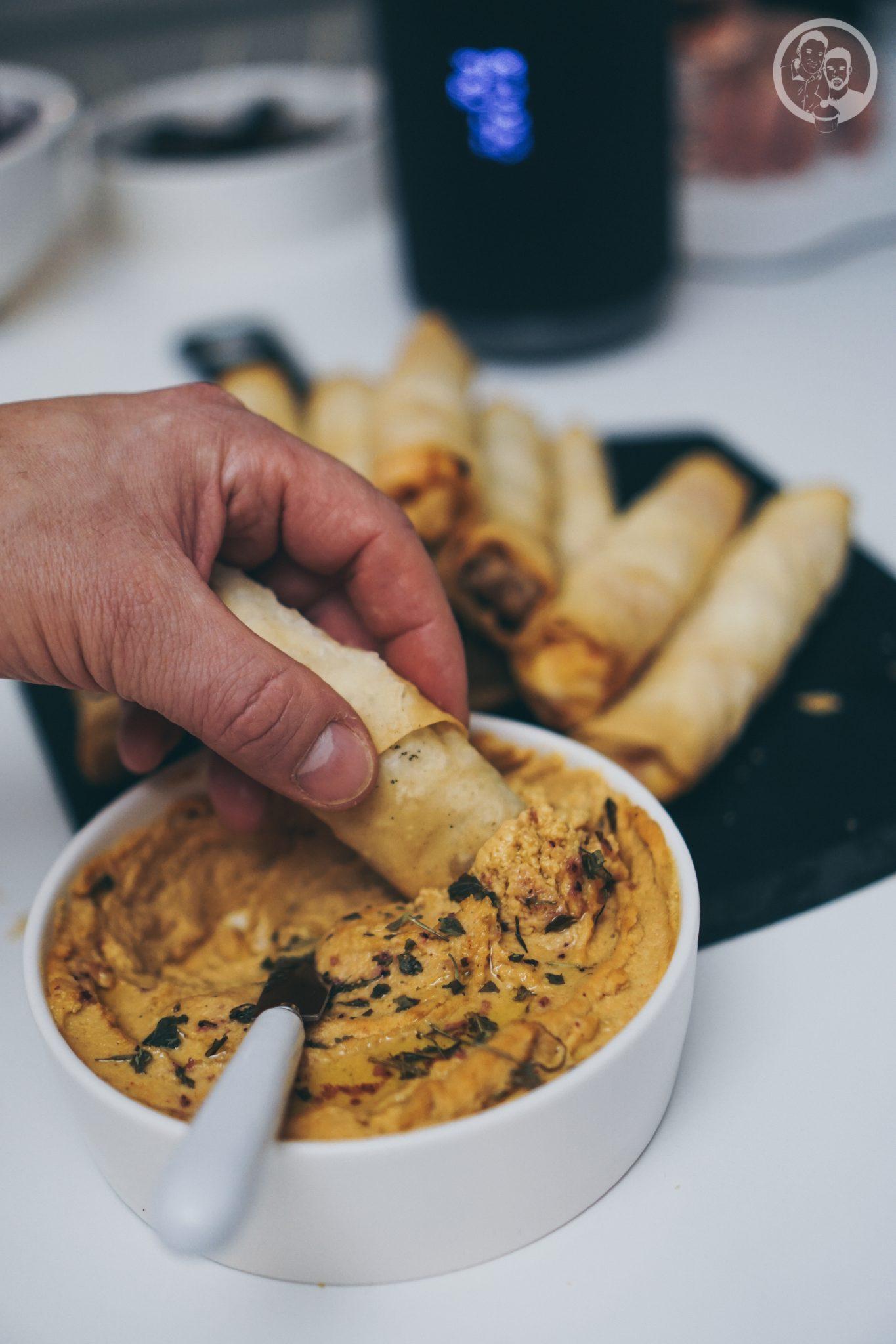 B%C3%B6rek mW 7   Unsere Küche ist der Mittelpunkt unserer Wohnung ... hier verbringen wir die meiste Zeit! Ob beim Kochen und Backen, beim gemütlichen Zusammensein oder auch bei spontanen Partyabenden.Dazu gibt es immer leckere Snacks, denn hungern muss definitiv keiner unserer Freunde bei uns :)So auch nicht bei unserer letzten kleinen Küchenparty! Es gab köstliches Finger Food in Form von Börek.