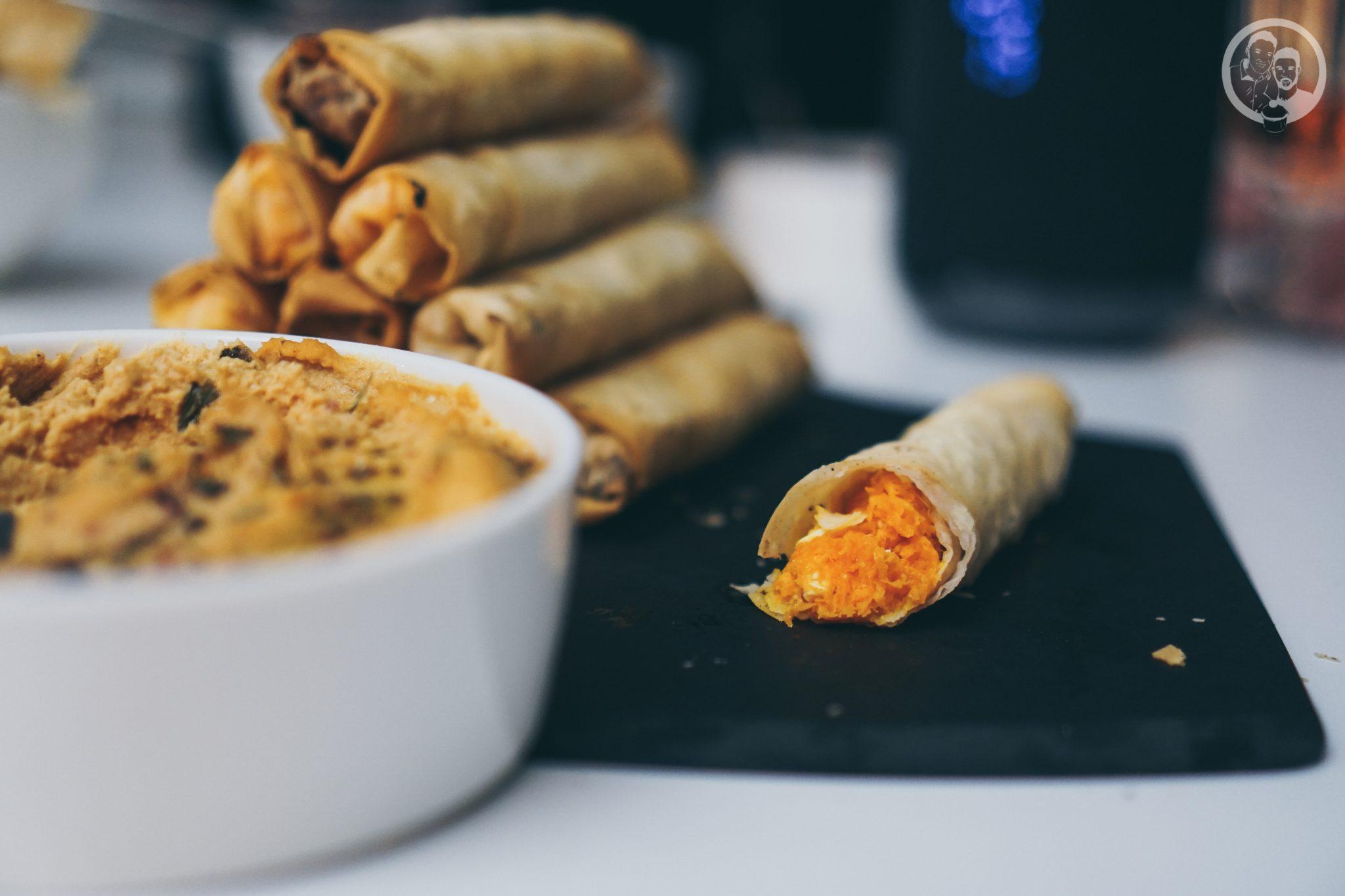 B%C3%B6rek mW 8   Unsere Küche ist der Mittelpunkt unserer Wohnung ... hier verbringen wir die meiste Zeit! Ob beim Kochen und Backen, beim gemütlichen Zusammensein oder auch bei spontanen Partyabenden.Dazu gibt es immer leckere Snacks, denn hungern muss definitiv keiner unserer Freunde bei uns :)So auch nicht bei unserer letzten kleinen Küchenparty! Es gab köstliches Finger Food in Form von Börek.