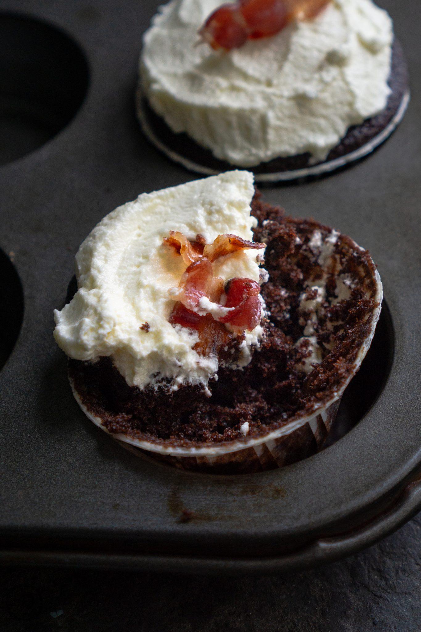 Cupcakes mit Frischkäse und Bacon